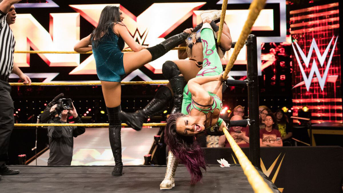 WWE NXT - Ember Moon & Liv Morgan vs. Billie Kay & Peyton Royce (Tag Team Match)