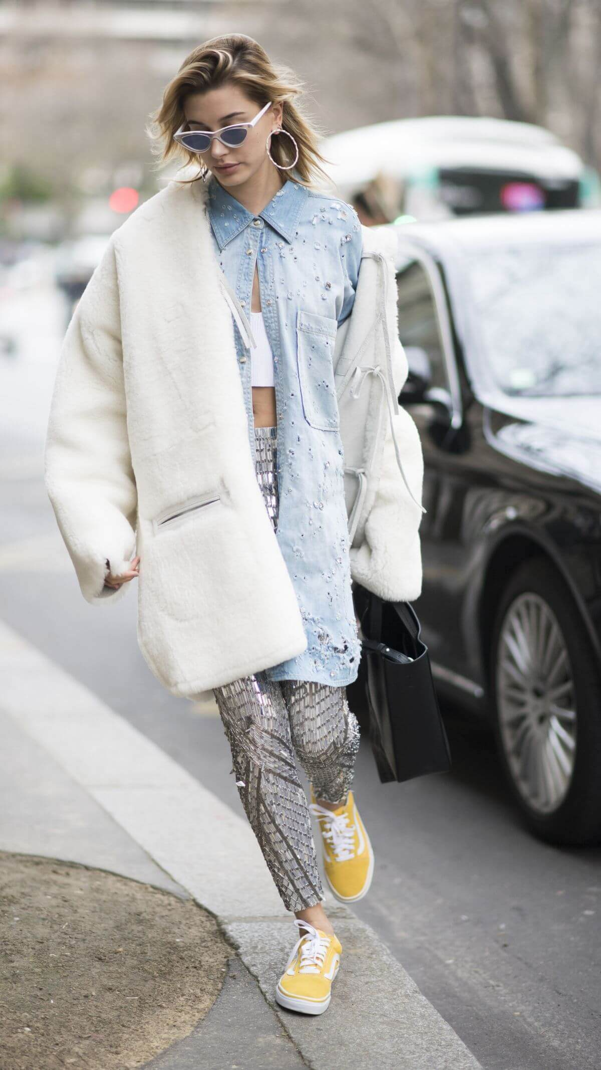 Hailey Rhode Baldwin Stills Out and About in Paris