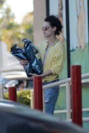 Kristen Stewart and Stella Maxwell Stills Out and About in Los Angeles 3
