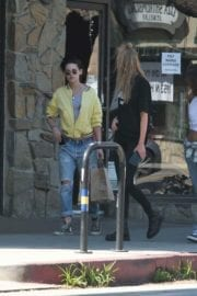 Kristen Stewart and Stella Maxwell Stills Out and About in Los Angeles 11