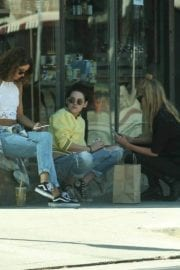 Kristen Stewart and Stella Maxwell Stills Out and About in Los Angeles 15