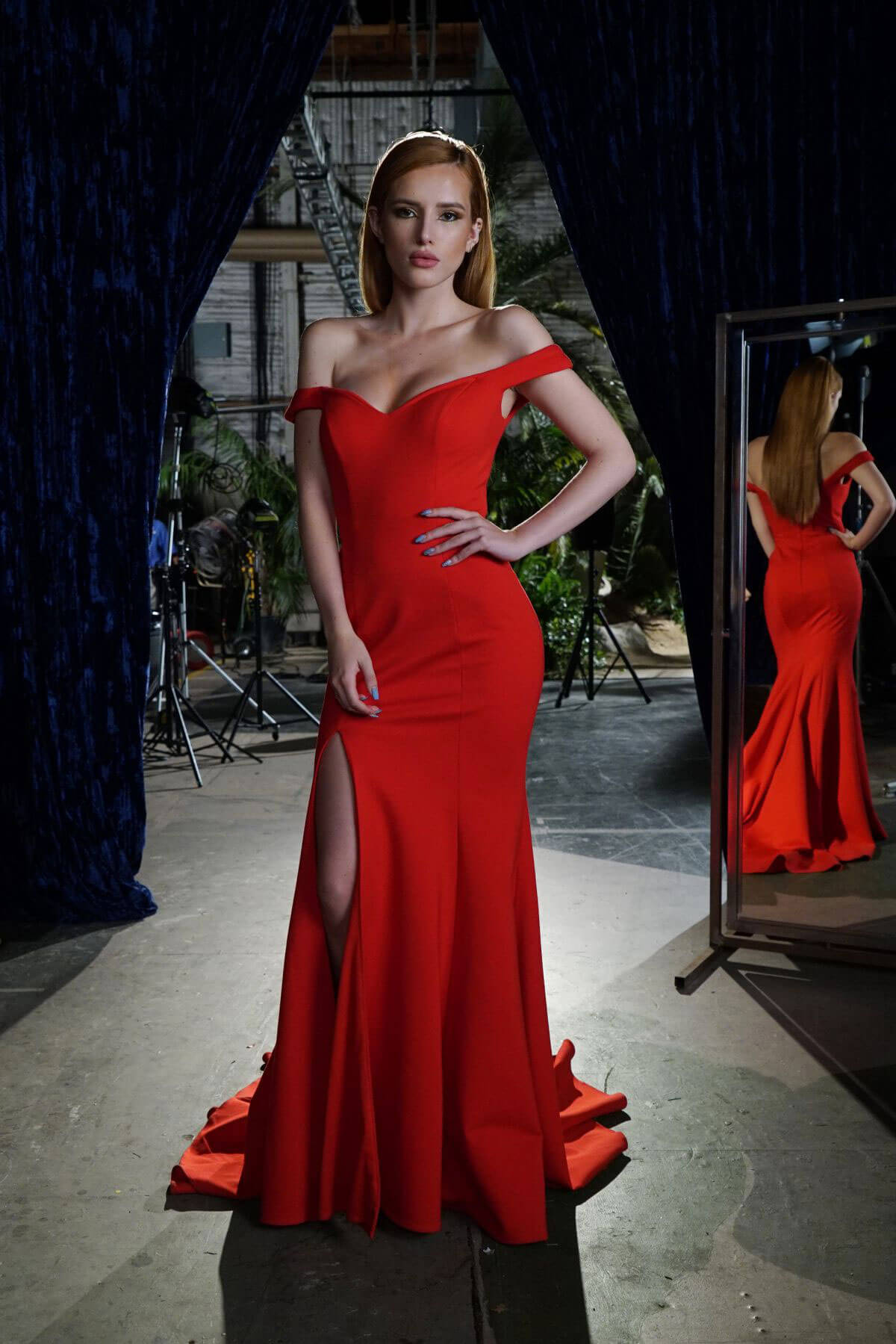 Bella Thorne at Famous in Love, Season 1 Episode - 03, Promos