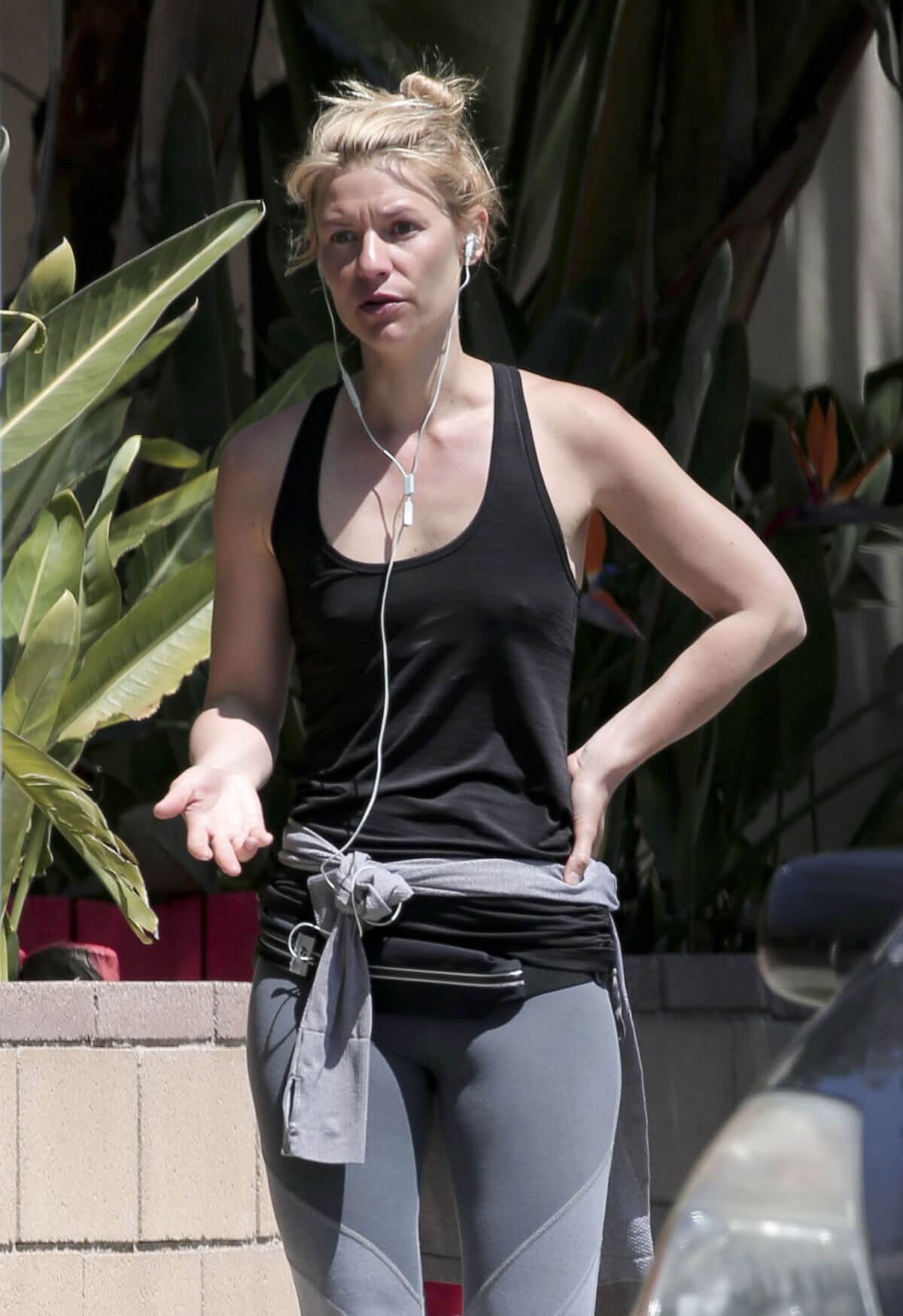 Claire Danes Stills Leaves a Gym in Los Angeles
