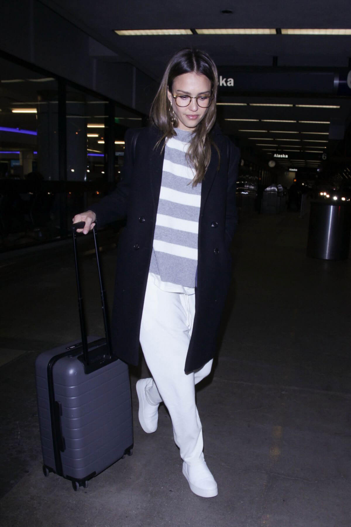 Jessica Alba at Los Angeles International Airport