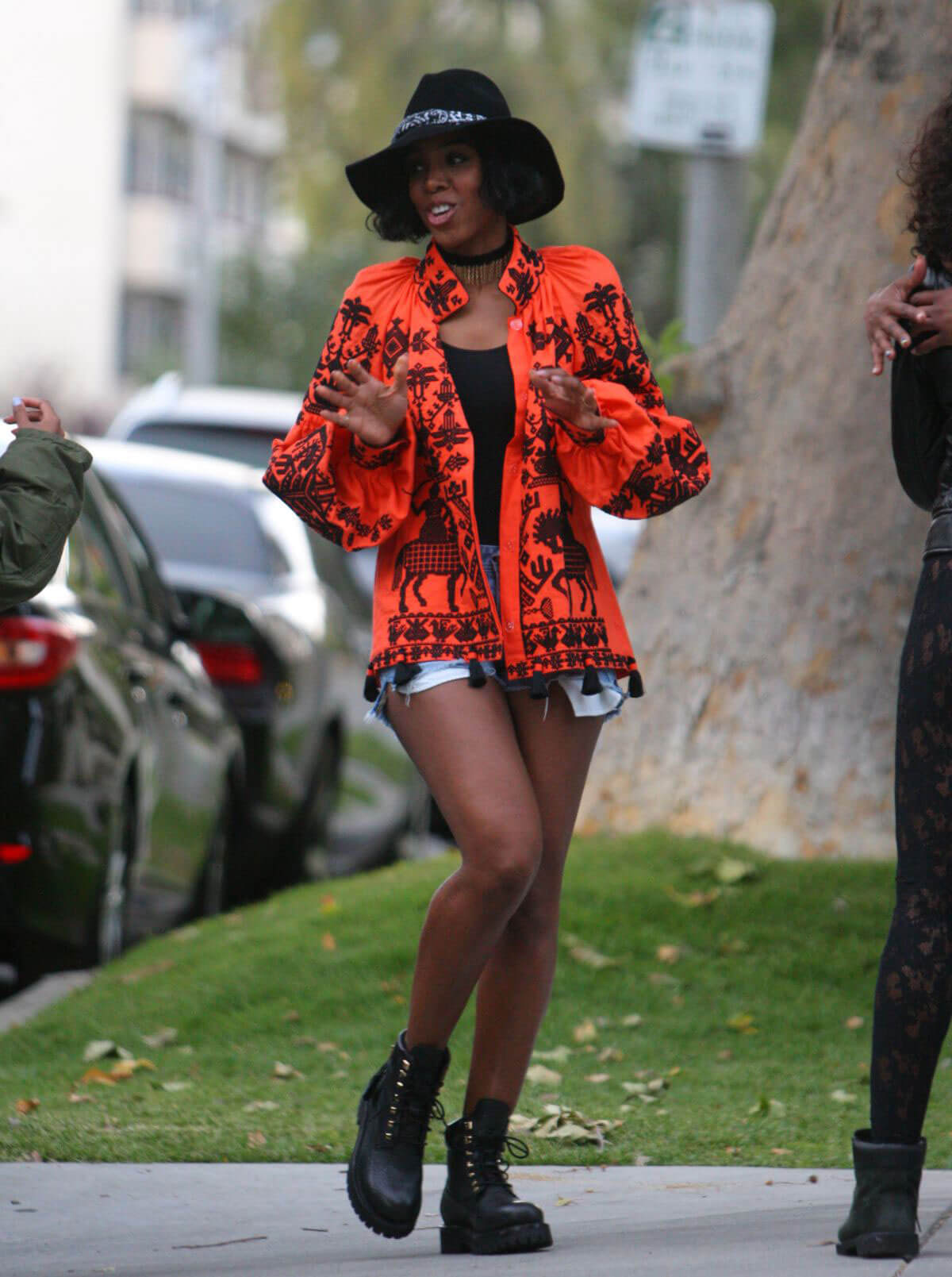 Kelly Rowland Stills Out and About in Los Angeles