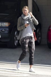 Maria Sharapova Stills Out for Lunch in Los Angeles