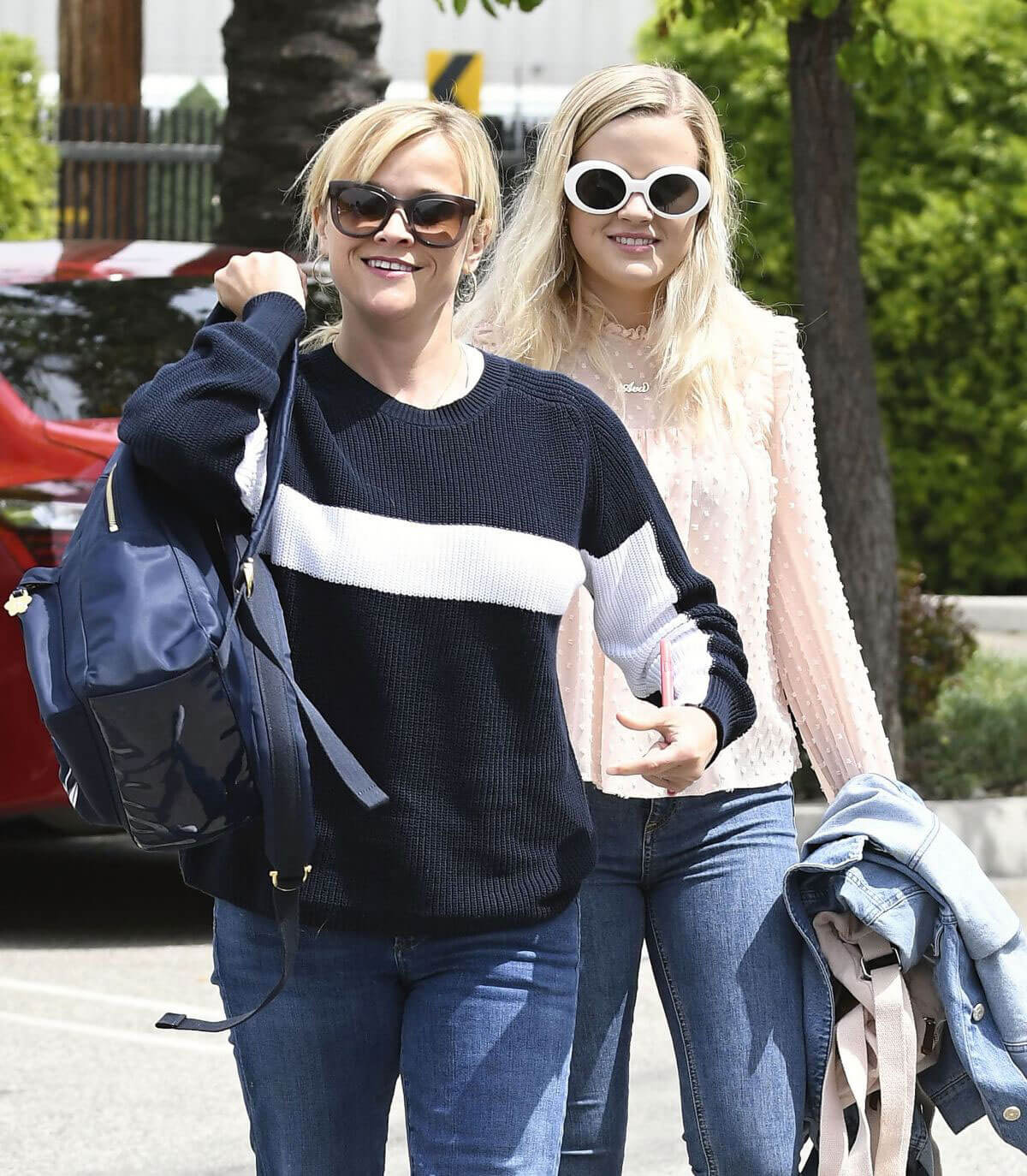 Reese Witherspoon and Ava Elizabeth Phillippe After A Helicopter Trip in Santa Monica