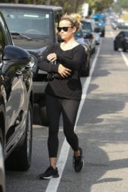 Reese Witherspoon Stills Leaves Yoga Class in Los Angeles