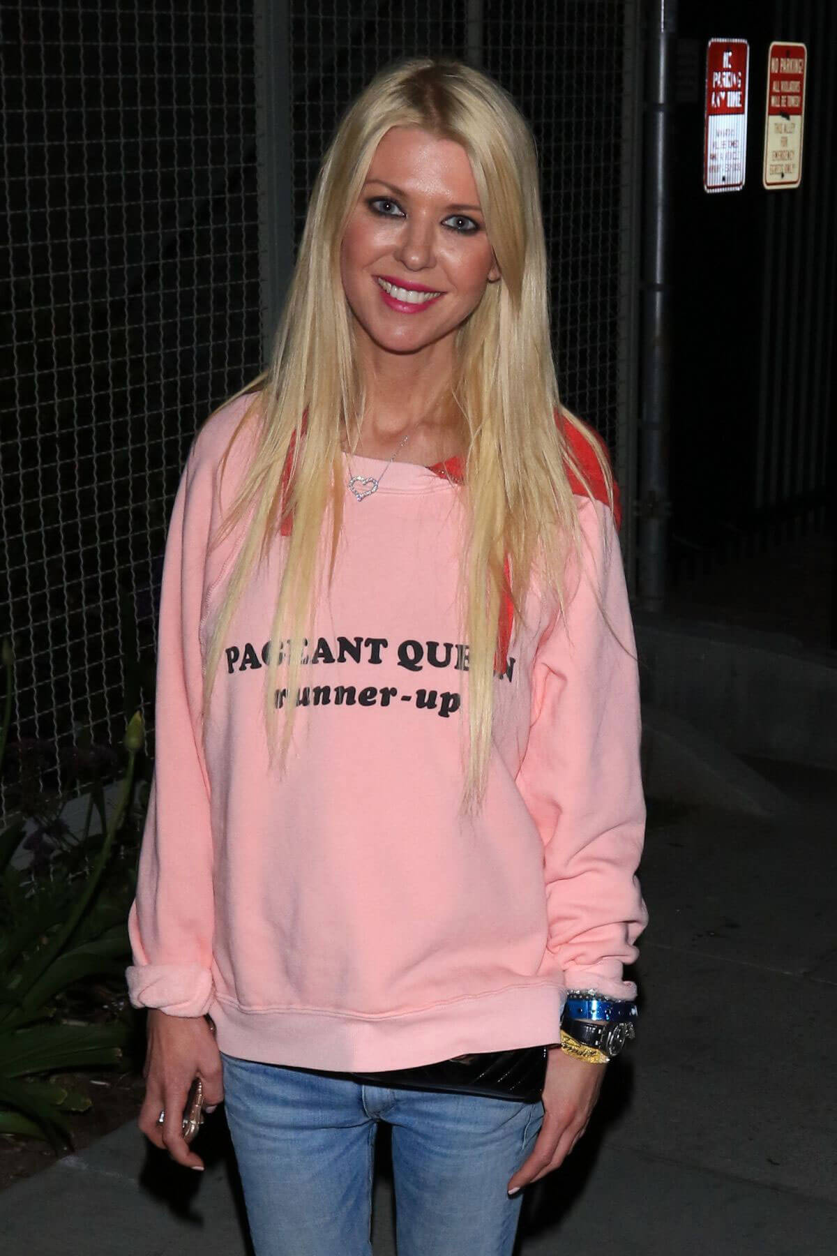 Tara Reid Stills Out for Dinner in Hollywood