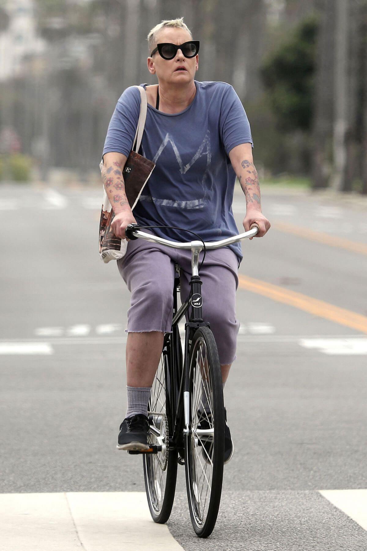 Lori Petty Out for a Bike Ride in Santa Monica 81031 ...