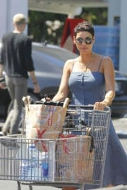 NICOLE MURPHY Out for Grocery Shopping at Bristol Farms in Beverly Hills