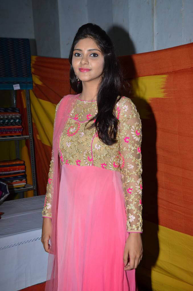 Aishwarya Stills At Pochampally IKAT Mela Inauguration Photos