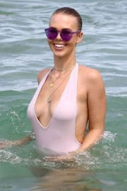 Bianca Elouise in Swimsuit at a Beach in Miami Photos