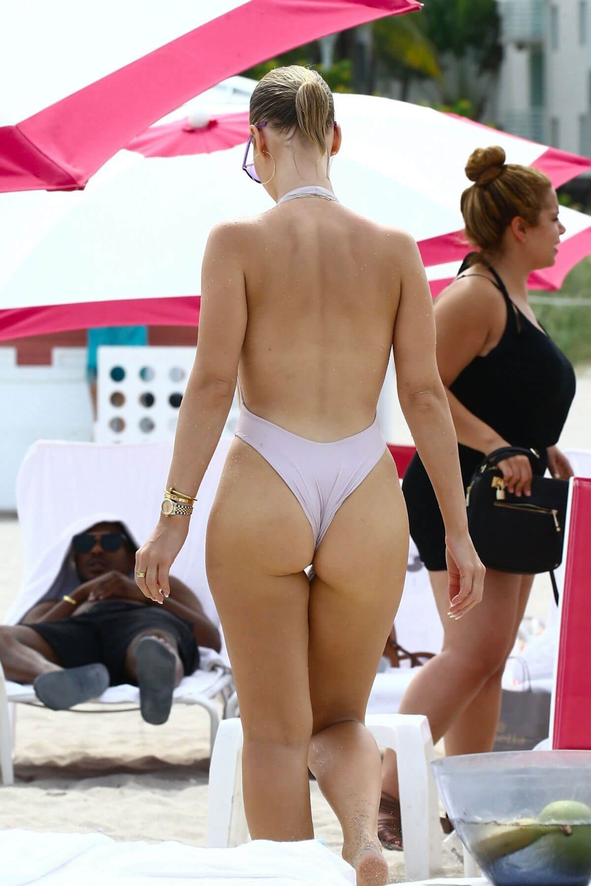 bianca elouise in swimsuit at a beach in miami photos bianca elouise swimsuit celebskart