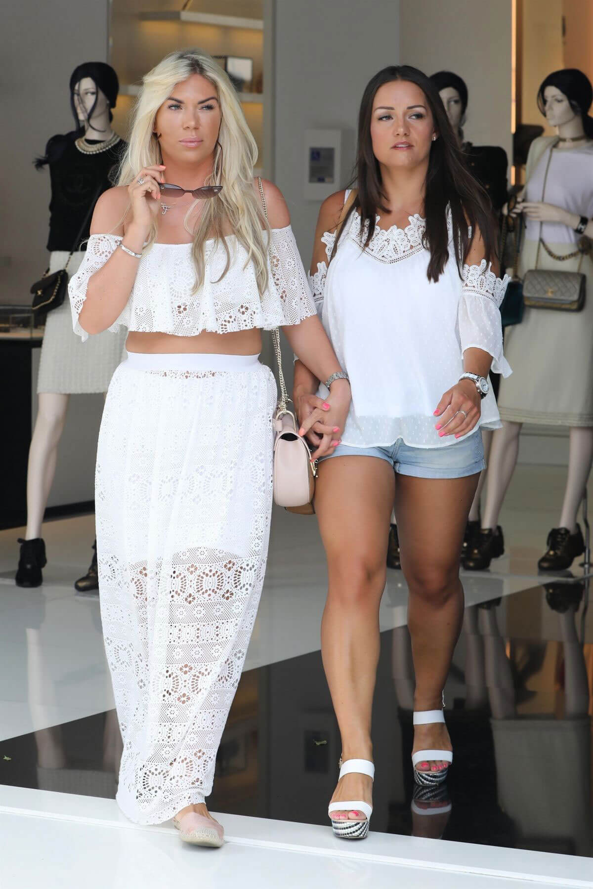 Frankie Essex Stills Out Shopping in Los Angeles