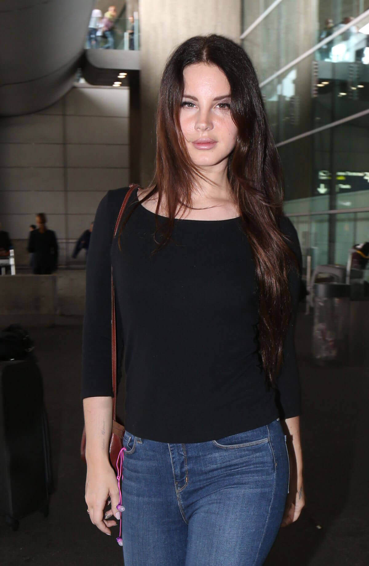 Lana Del Rey Stills at Charles De Gaulle Airport in Paris Images - 07/22/2017