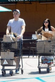 Ariel Winter wears jeans shorts at grocery shopping in Los Angeles