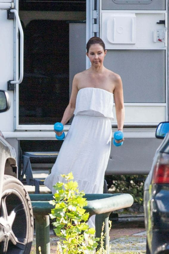 Ashley Judd Stills at a Shooting Break at Berlin Sation Set