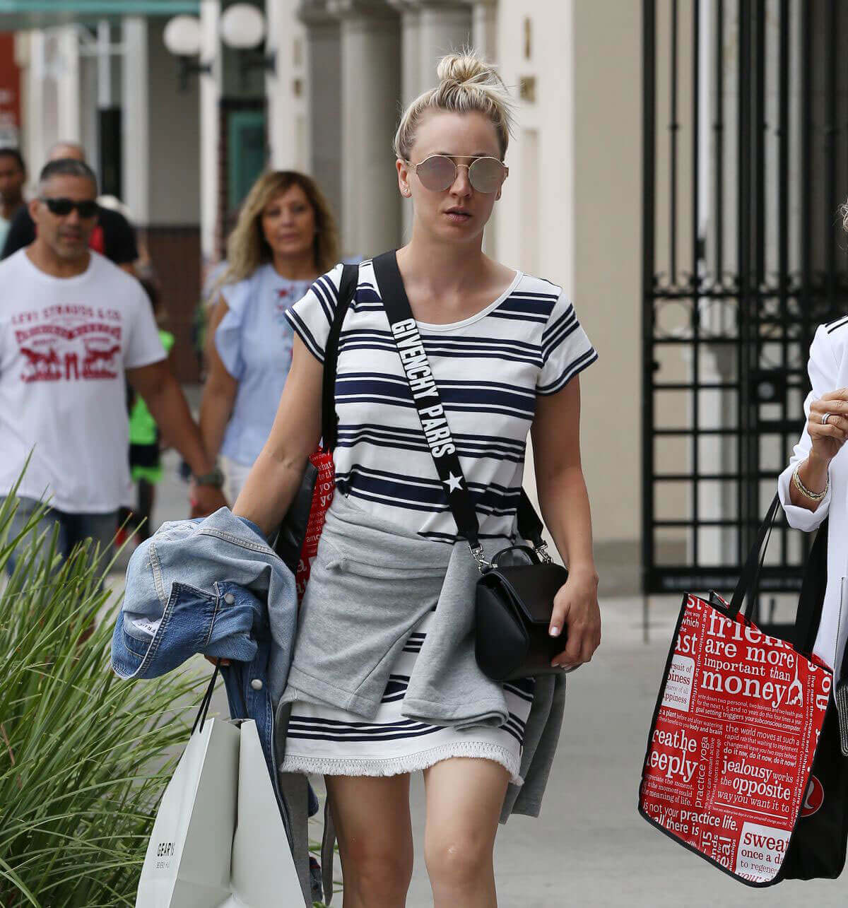 Kaley Cuoco Stills Shopping at Geary's in Beverly Hills Images