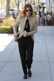 Kate Mara Stills Out for Lunch with Friends at Cafe Gratitude in Beverly Hills