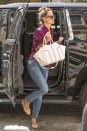 Katie Holmes Stills Out for Lunch in Los Angeles Images