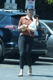 Lana Del Rey Stills Out for Lunch in Los Angeles Photos