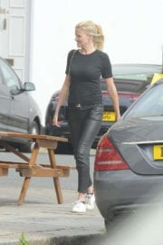 Lara Stone Stills Out for a Drink at Primrose Hill Pub Photos