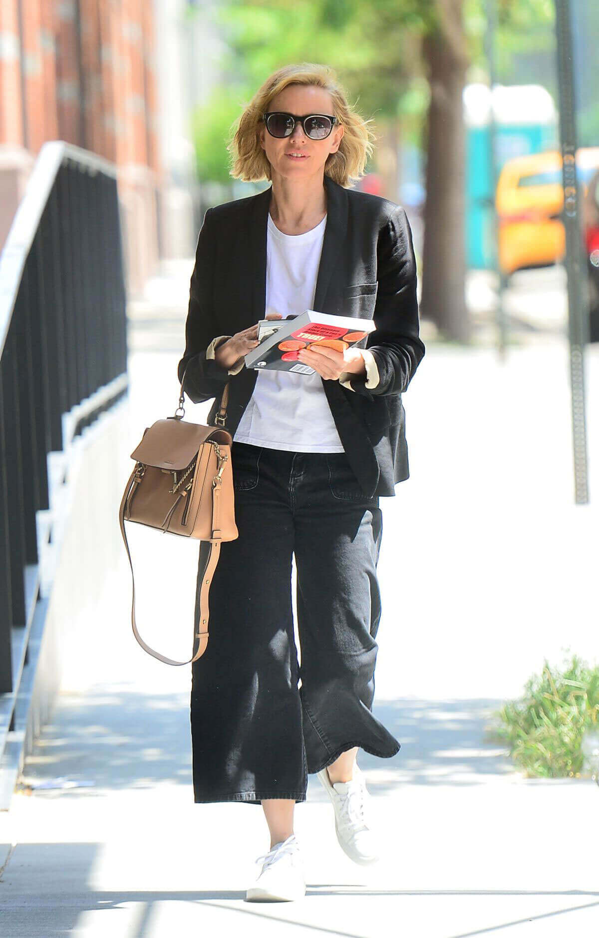Naomi Watts Stills Out in New York Images