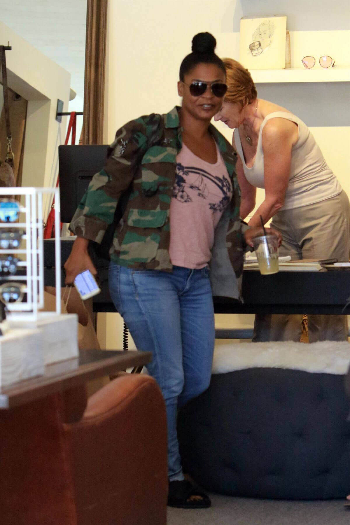 Nia Long Stills Out for Lunch at Joan's on Third in Studio City