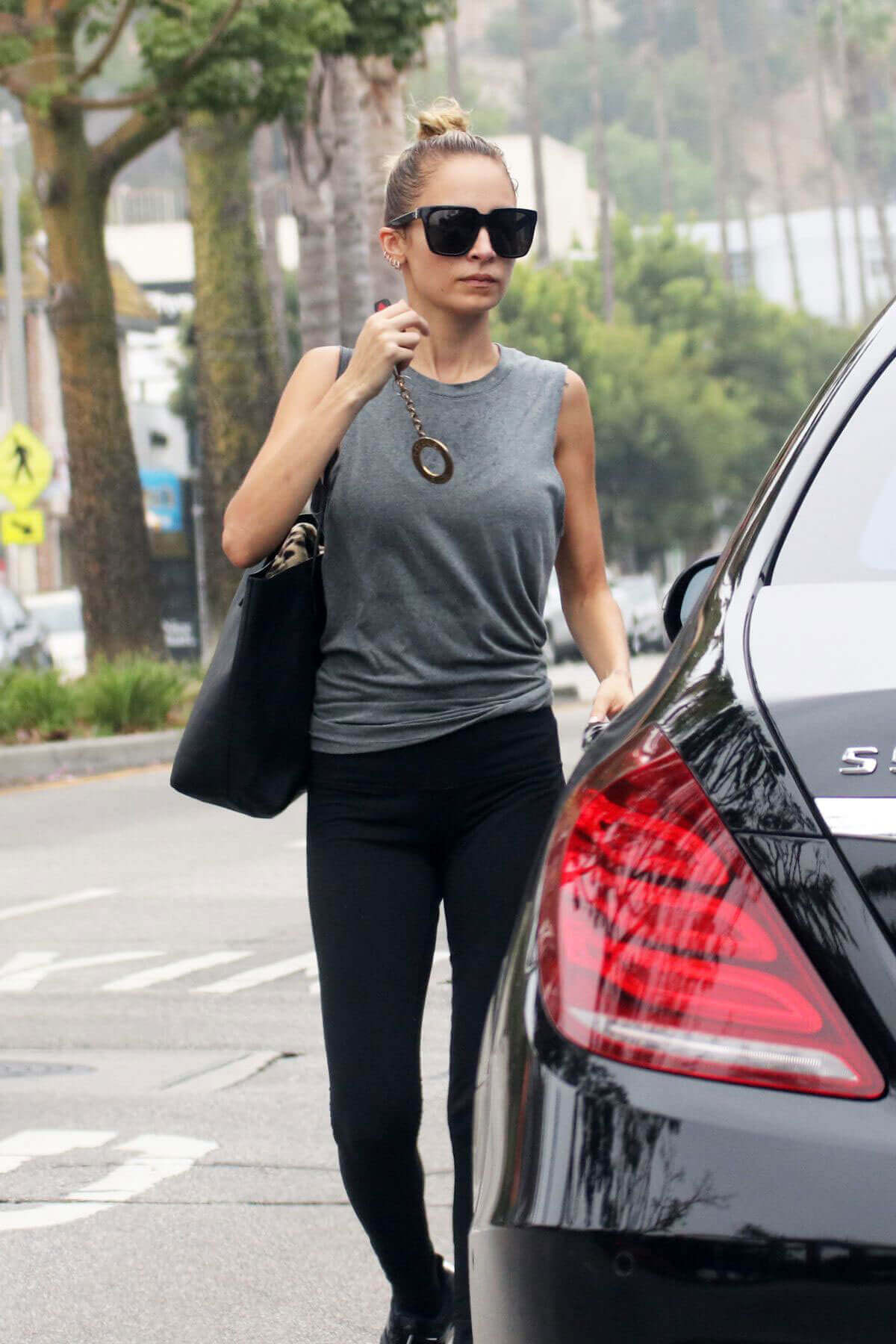 Nicole Richie Stills Leaves Tracey Anderson's Gym in Sherman Oaks
