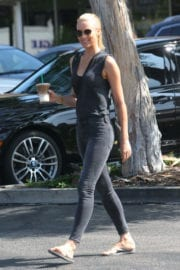 Paige Butcher in Tight Jeans Stills Out for a Coffee in Beverly Hills