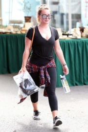 Hilary Duff goes out to a Gym in Los Angeles