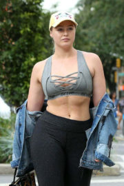 Iskra Lawrence Heading to a Gym in New York