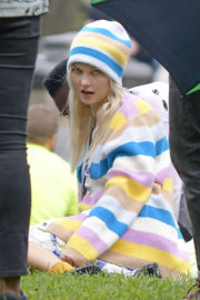 Karlie Kloss Stills on the Set of a Photoshoot in New York