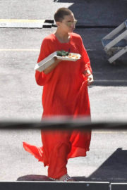 Kate Hudson Stills Out for Lunch on the Set of 'Sister' in Los Angeles