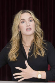 Kate Winslet Stills at The Mountain Between Us Photocall at 2017 TIFF