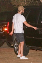 Miley Cyrus and Liam Hemsworth Stills Out for Dinner at Soho Hoise in Malibu
