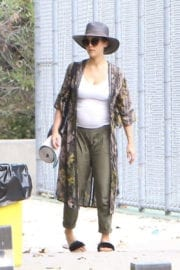 Pregnant Jessica Alba show baby bump Stills out in Westwood