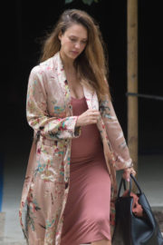 Pregnant Jessica Alba Shows Baby Bump Stills Out and About in Los Angeles