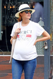 Pregnant Rose Byrne Stills Out and About in New York