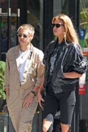 Stella Maxwell and Kristen Stewart Stills Out for Lunch in Little Italy in New York
