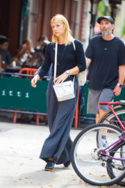 Claire Danes Stills Out and About in New York Images