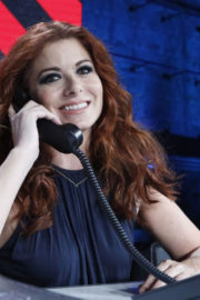 Debra Messing Stills at One Coice: Somos Live! a Concert for Disaster Relief in Los Angeles