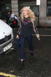 Fearne Cotton wears Full Sleeves Tops and Jeans at Ken Bruce Show' in London