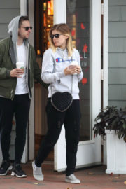Kate Mara and Jamie Bell Stills Out for Coffee in New York