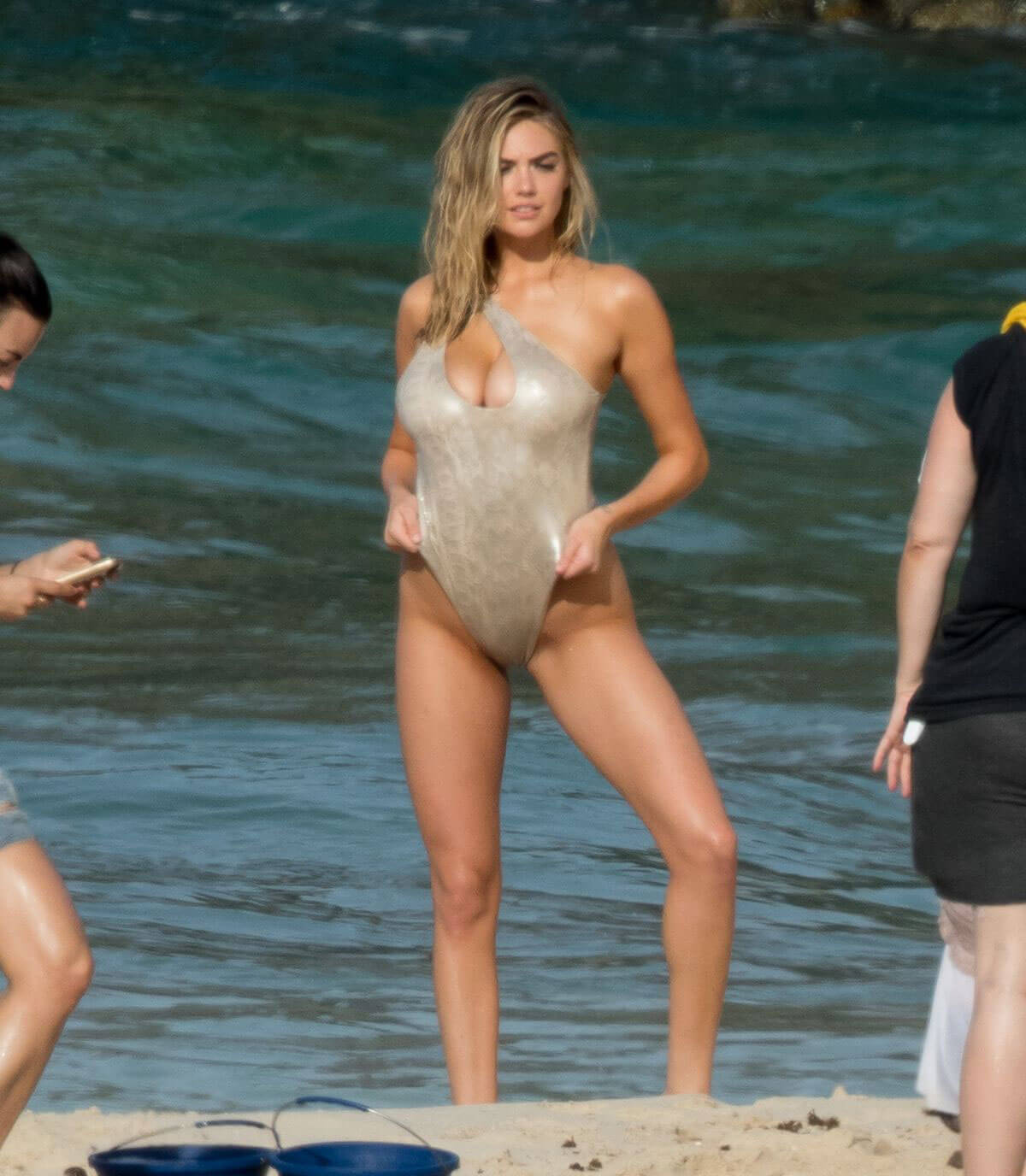 Kate Upton in Swimwear Stills at Sports Illustrated Swimsuit Photoshoot in Aruba