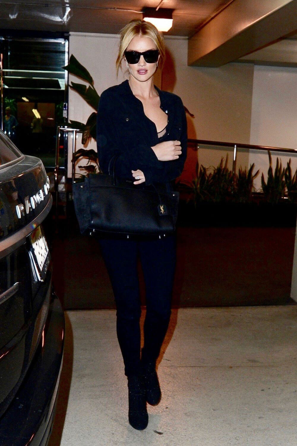 Rosie Huntington-Whiteley Stills Out and About in Beverly Hills