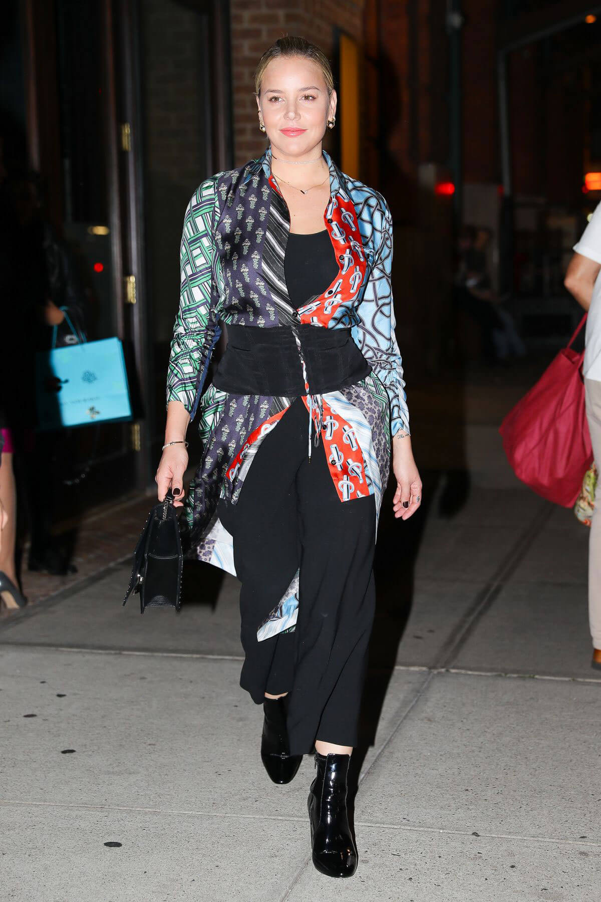 Abbie Cornish Stills Leaves Her Hotel in New York Images