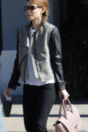 American Actress Kate Mara Stills Leaves a Gym in Los Angeles