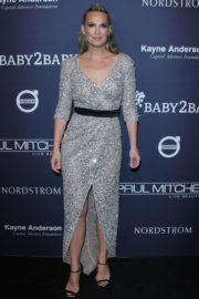 American Model Molly Sims Stills at 2017 Baby2Baby Gala in Los Angeles
